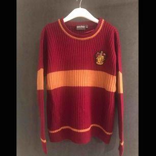 Cardigan till det ultimata Harry Potter fanet! Aldrig använd.