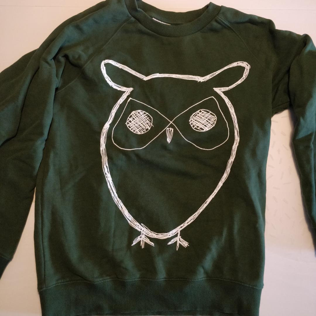 Grön tröja från Knowledge Cotton Apparel strl M. Sparsamt använd.. Tröjor & Koftor.