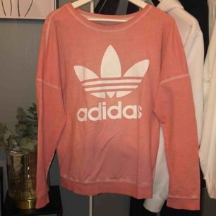 Oversized sweater från Adidas originals, nypris 600kr💓
