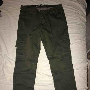 Cargo pants från Cubus storlek S