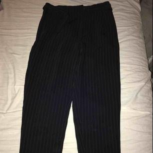 Randiga kostym byxor från hm storlek 34 80kr +frakt