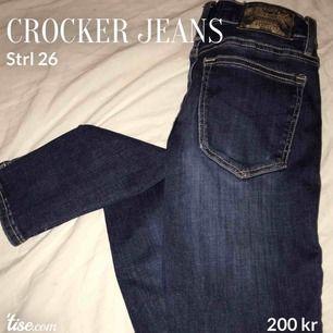Crocker jeans strl 26. Ny skick. Inga hål eller något. Knappt använda. Pris:200 Byte: skulle kunna bytas mot bootcut jeans.