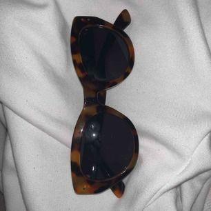 Solglasögon i bra skick