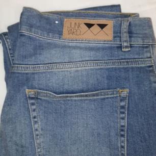 Jeans från junkyard, strl M. Helt nya.
