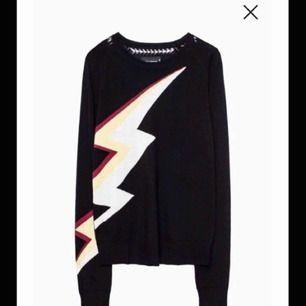 Jätte fin Zadig Voltaire tröja med en blixt på, storlek xs men passar mig som har xs/s, buda från 200⚡️
