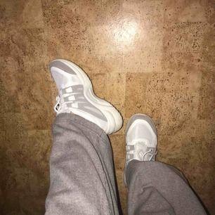 Snygga och lätta chunky sneakers, knappt använda, säljer för jag tappat intresset, 200kr inkl frakt