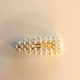 Pärlhårspänne från Glitter! Pris inkl. Frakt :)