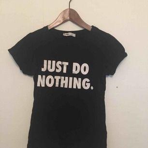 T-shirt som passar till allt✨ använd få gånger