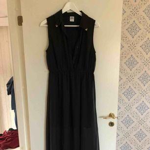 Jättefin långklänning från Vero Moda! Knappt använd.