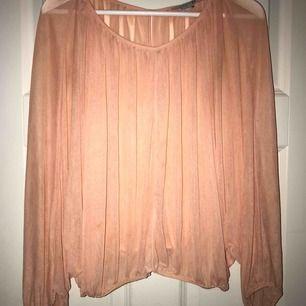 Orange genomskinlig tröja från Forever21 i storlek L