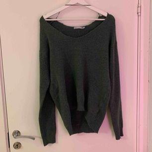 Super fin grön tröja från lager 157 som inte kommer till användning hos mig, så låt den göra det hos dig;)