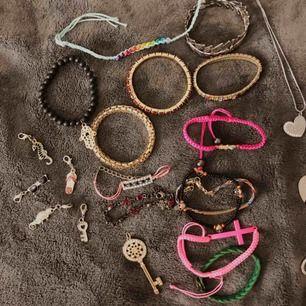 blandade smycken, armband, halsband och berlocker!
