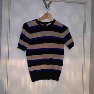 super skön randig tshirt från zara. säljer den för det är inte min stil längre