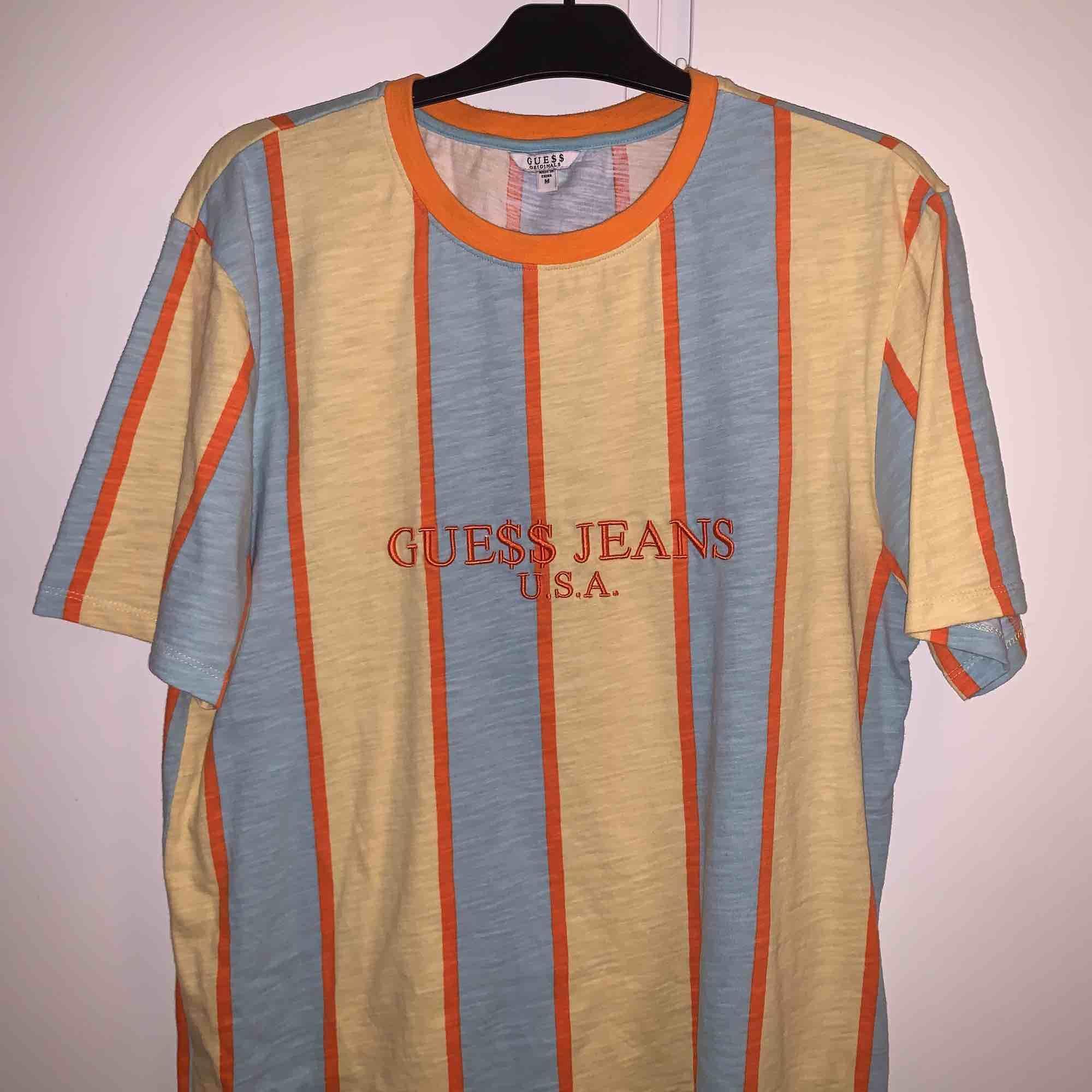 Asap Rocky guess t-shirt Gul i strl M  Frakt ingår i Pris. T-shirts.