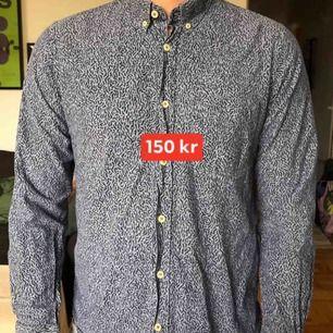 Tidlös skjorta från NN07. Knappt använd.