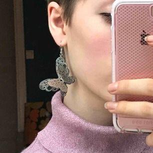Fjärilsörhängen, supersöta💕💕 frakt 9 kr:)