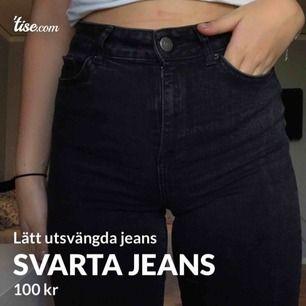 Högmidjade jeans, från vero Moda, de har en lätt bootcut och är tajta, men bekväma och lite stretchiga, strl 30/32 passar mig som brukar ha S/36
