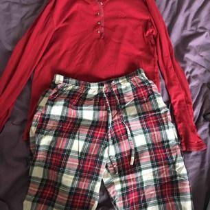 Pyjamas sett från Ralph Lauren. Jätteskönt och fint! Tyvärr inte använder mycket pga köpte fel storlek.