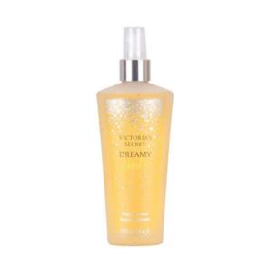 Victoria's Secret Fragrance Body Mist - Dreamy Vanilla. Den perfekta semesterbjudningen, en blandning av vanilj och glaserade crème brûlée. Infunderat med konditionering aloe vera och lugnande kamomill. Begränsat antal! ( Köparen står för frakten 42kr - S Påse )