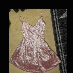 Velvet pink dress 💖🌸👛
