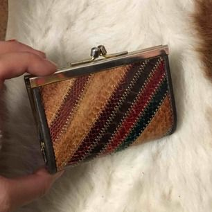 Jättefin vintage plånbok, väldigt classy!! Frakt:20kr