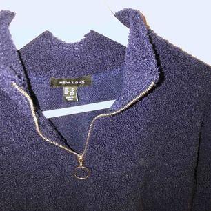Mysig blå varm tröja. Köpt på Asos, inga skador o fint skick