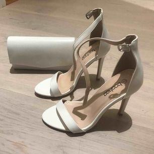 Nya klackskor och en handväska  Säljer tillsammans för 250kr + frakt.  eller skor för 200kr och väska för 150kr. 🥰