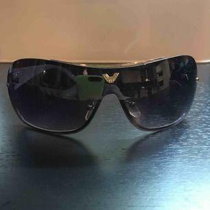 Snygga solbrillor! Köparen står för frakt
