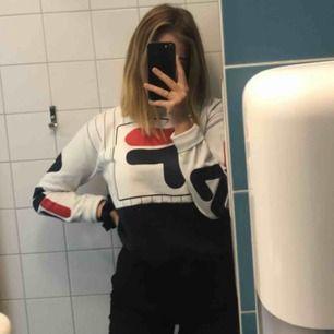 Snygg sweatshirt från Fila, inga skador, fläckar eller liknande
