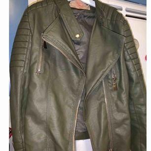 Moto Jacket Armygreen från chiquelle s