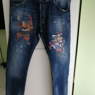 Dsquared2 men Jeans slim fit, new with label,             100% authentic, size IT48 (W31), write me for more info 😊. Delivery to USA, Canada and Australia No return