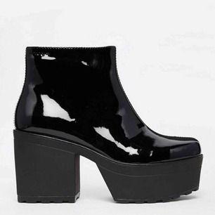 Begagnade Vagabond platform boots. Använda men snygga och fräscha.