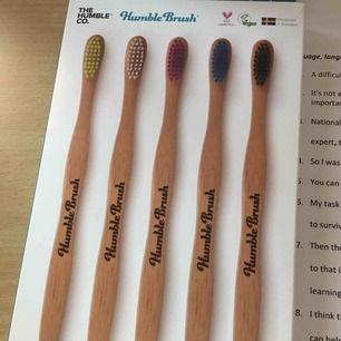 Miljövänliga tandborstar i bambu!!! Veganska och cruelty free!! 150kr för 5 stycken!!! Ett kap