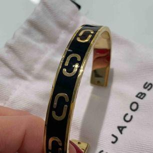 Oanvänt armband från Marc Jacobs 💜