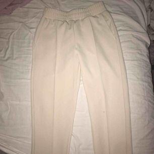 Snygga kostym byxor från gina storlek S