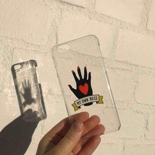 iPhone 6 skal, med plaster kvar där bak. Säljer pga jag har annan iPhone nu. Fler skal finns i andra annonser! Köparen står för frakt, men köper man minst 3 så bjuder jag på frakten! :))