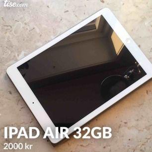 Säljer min 6 år gamla iPad Air, den är i perfekt skick och allt fungerar som det ska. Säljer pga att jag inte har användning av den längre. Den kan hantera mycket och skälv tycker jag den är riktigt bra!