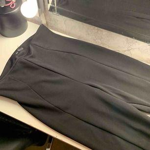 Jätte sköna kostym byxor har klippt lite där framme bilder kan skickas använd fåtal gånger
