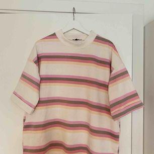 Cool oversized tröja från Boohoo. Aldrig använd.