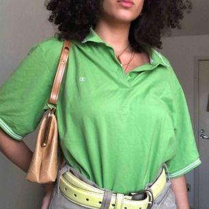 En vintage champion tröja i den finaste gröna färgen 🥺 Ny & toppskick!