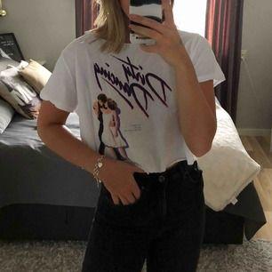Avklippt T-shirt från hm med Dirty Dancing tryck. 30 kr + frakt eller mötas upp i Östergötland