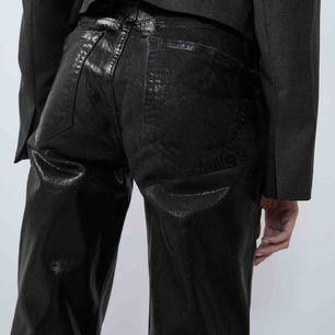 Svin snygga byxor från zara. Köpta i tyvärr fel storlek. Aldrig använda.  Kan mötas upp och frakta! :) För fler bilder Elr frågor så är det bara att skriva!