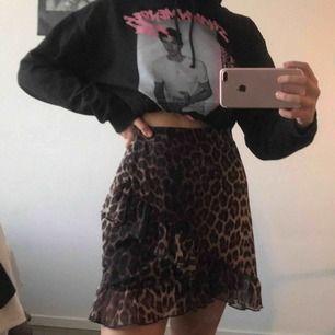 leopardmönstrad kjol från NLY