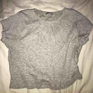 vanlig grå ribbad topp / tshirt ✨