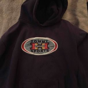Tommy sports hoddie. Skit cool 150