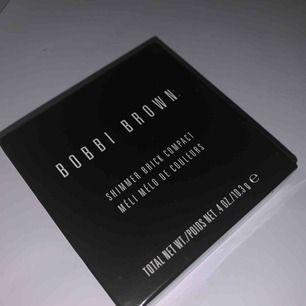 Superfin palett från Bobby Brown. Säljs pga använder den inte (aldrig använd heller). Nypris 500.