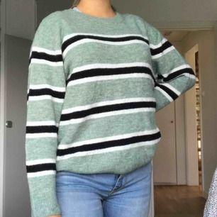 Fin stickad tröja 🥰 Frakt:60kr