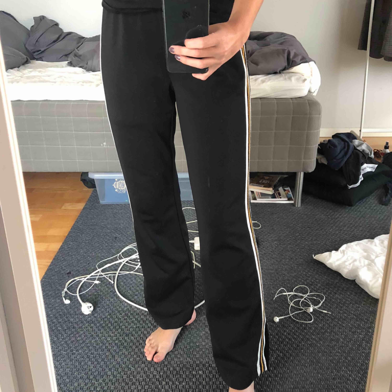 Byxor från Sofie Schnoor. Nypris: 1049kr. Jeans & Byxor.