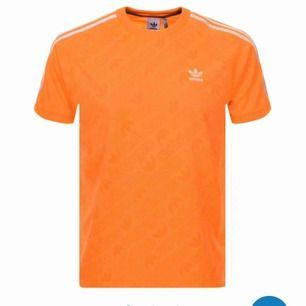 Adidas T-shirt strl L (herr storlek) Använd 1-2ggr Köpt för 400