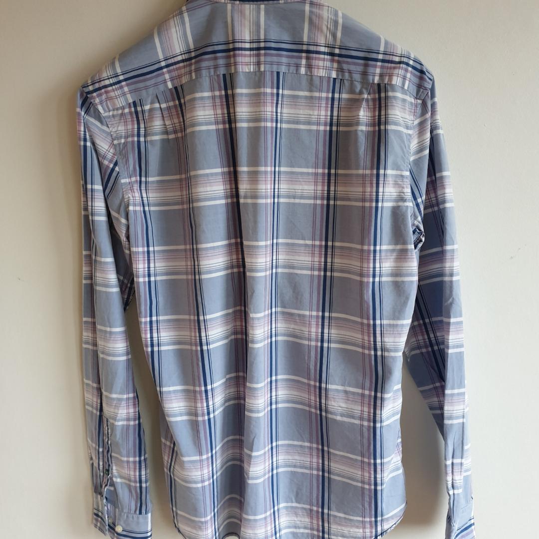 Rutig skjorta från Lacoste Bra skick . Skjortor.